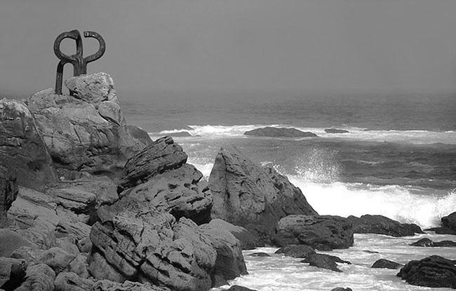 El peine de los vientos - Escultura Chillida III